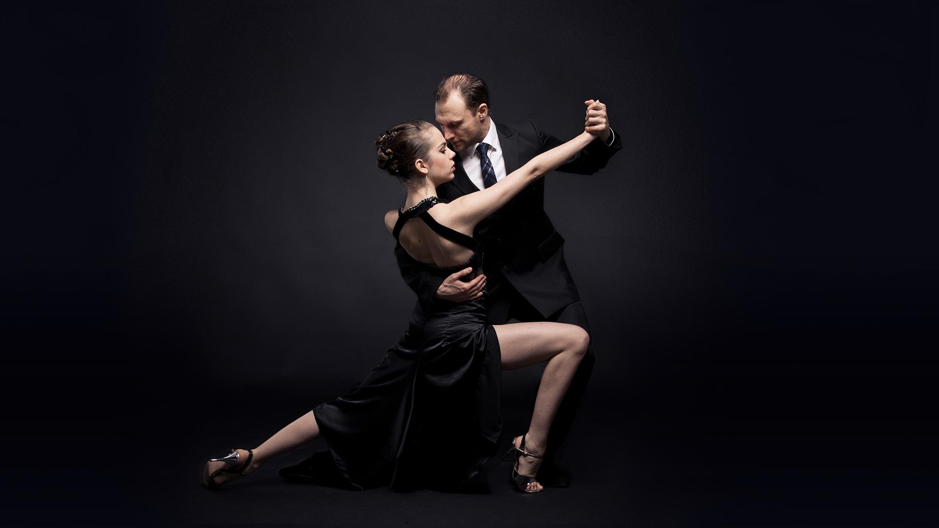 Nikita Sophia Tango Salon